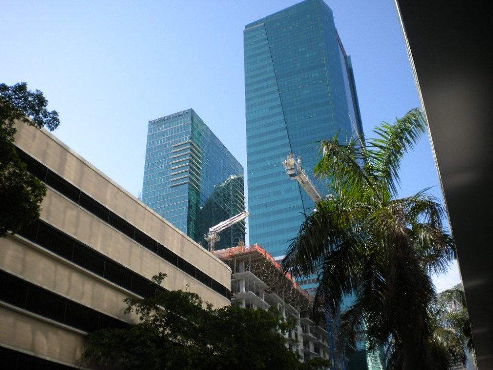 Three leadership books 'favorited' by executive business students in Miami